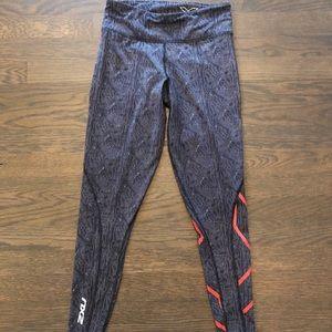 2XU Mid Rise compression tights, size small, EUC!